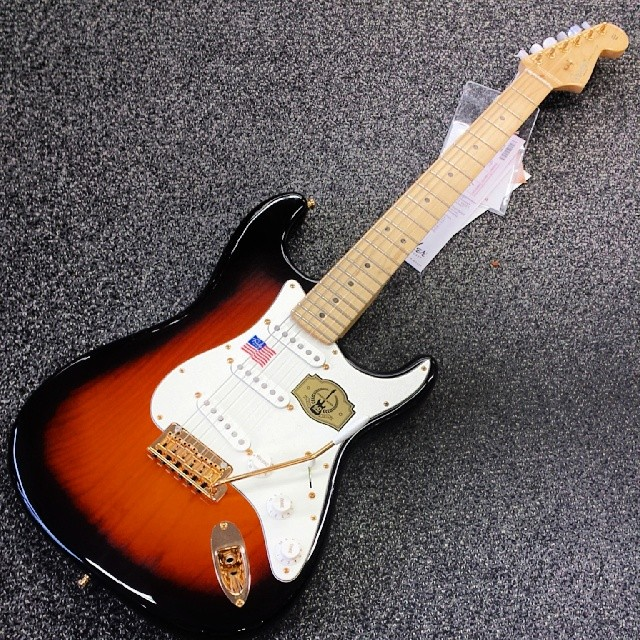 Dig this 60tg Anniversary #Fender #Strat we got in! #gear #geartalk #tone #tonefordays #electricguitar #guitar #hubbahubbahubba